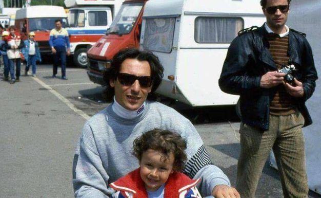 Marco Lucchinelli con il figlio Cristian in una foto d'archivio (foto Ansa)