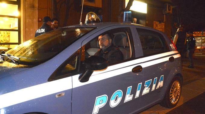 La polizia indaga sullo scippo avvenuto in viale IV Novembre
