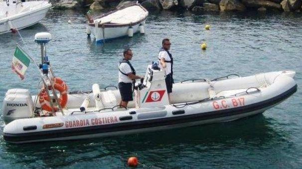 VIGILANZA Il personale della Capitaneria di porto ha sorpreso un pescatore in acque non consentite a Bonassola