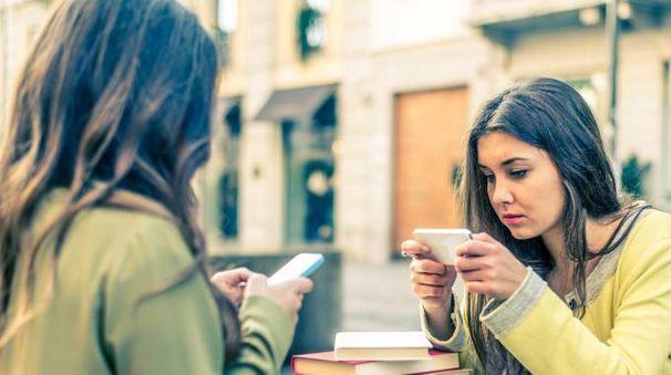 Il numero degli smartphone cresce e i gestori devono adeguare le strutture