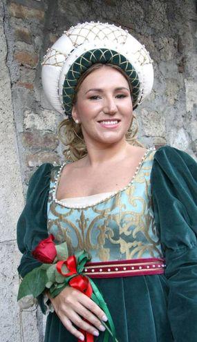 La dama di Sant'Emidio, la 27enne Marta Filipponi (Foto Labolognese)