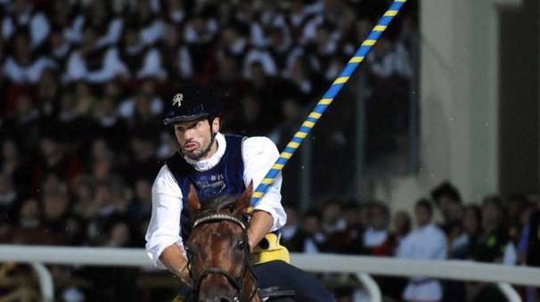 Il cavaliere di Porta Solestà, Luca Innocenzi (Foto Labolognese)