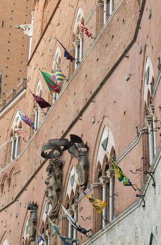 Palio rovente: estratte tre corazzate (Foto Lazzeroni)