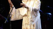 Noa, la star israeliana che tutti conoscono per essere stata la musa delle colonne sonore de «La Vita è bella» di Benigni (Foto Antic)