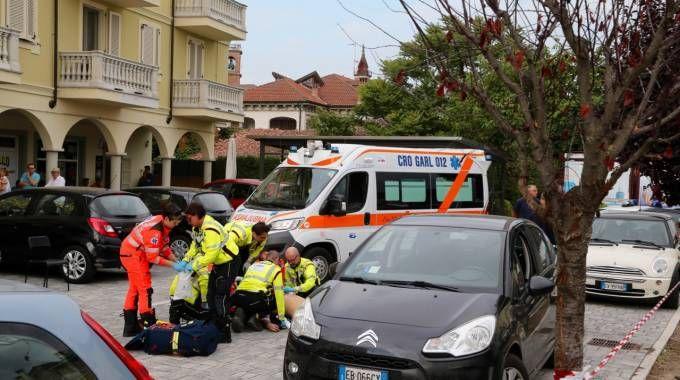 I soccorritori in piazza Unità d'Italia (Sacchiero)