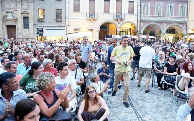 Pif in piazza del Popolo a Cesena (foto Ravaglia)