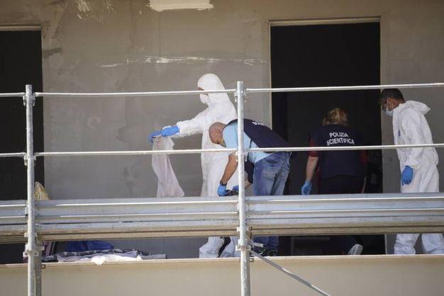 La macabra scoperta è stata fatta dai vigili urbani (foto Zeppilli)