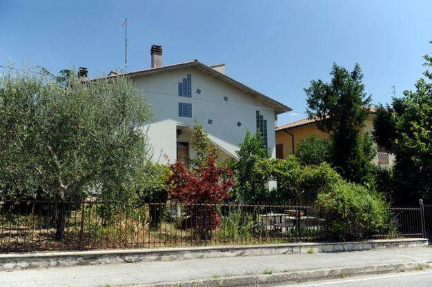 San Severino, la casa dove è stata trovata morta l'anziana (Foto Calavita)