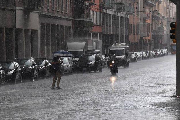 La pioggia è caduta intensa in alcune zone della città (foto Schicchi)
