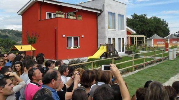 La 'Casa dei sogni' il giorno della consegna in diretta tv
