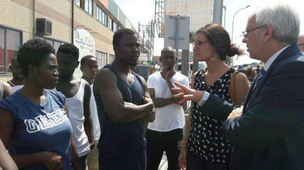 La protesta dei migranti a Ponsacco