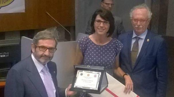 Claudio Malvestiti ritira il premio