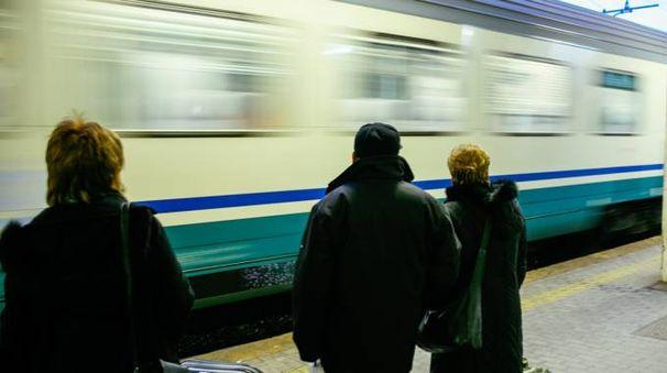 """Porto San Giorgio, treni troppo rumorosi. """"Non ne possiamo più"""""""