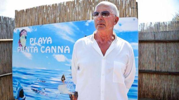 Gianni Scarpa, il gestore del lido 'Punta Canna' (Ansa)