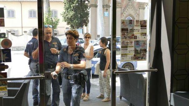 La polizia intervenuta al Caffè 21