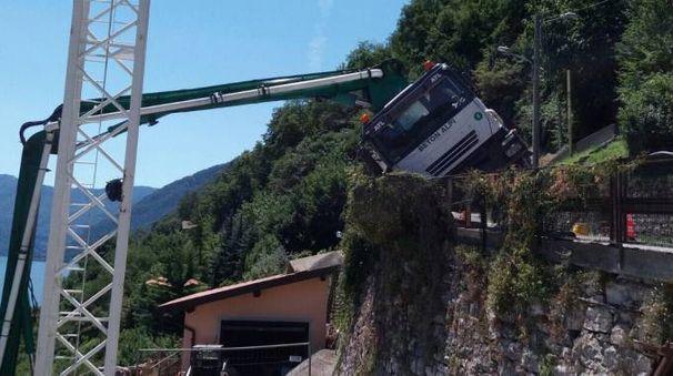 Il camion fa l'inchino
