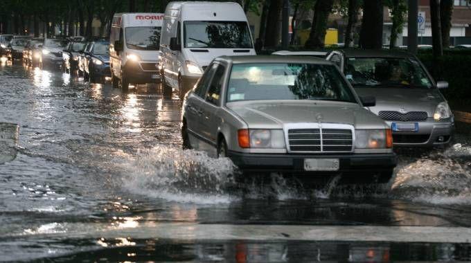 Pioggia a Milano (Newpress)