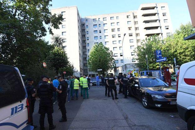 Le forze dell'ordine in via Gandusio (foto Schicchi)