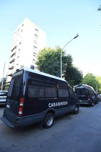 In via Gandusio anche i carabinieri (foto Schicchi)