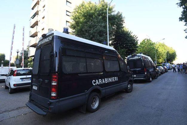 I carabinieri in via Gandusio (foto Schicchi)