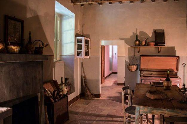 La cucina dcella casa che si trova nelle vecchie scuderie