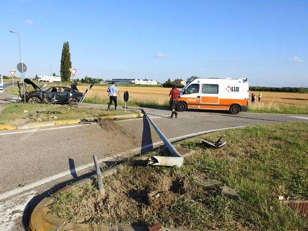 Il pauroso incidente avvenuto alle porte di Santa Maria in Fabriago (Foto Scardovi)