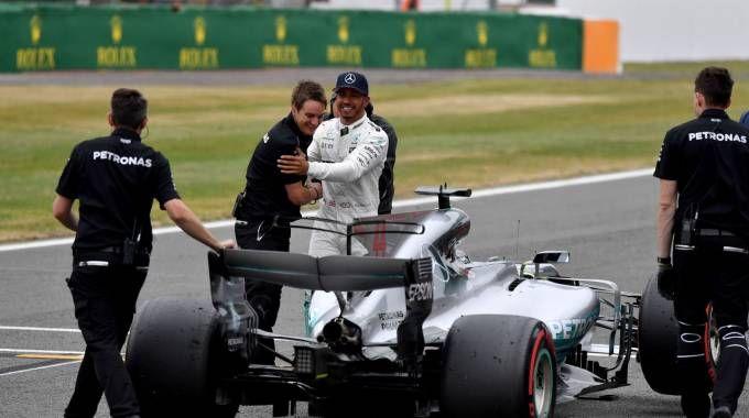 Lewis Hamilton in azione a Silverstone (Afp)