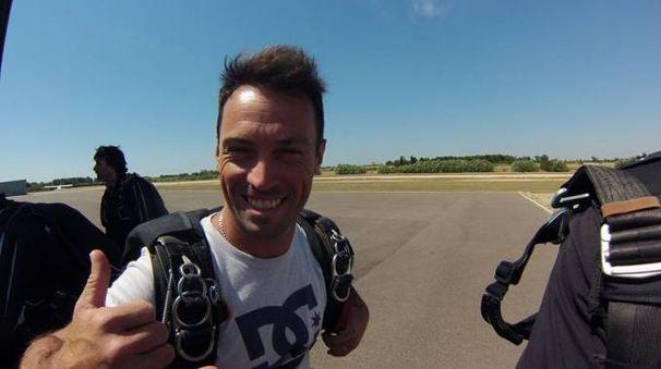 Sandro Bigozzi prima di salire su un aereo