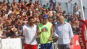 Bobo Vieri taglia il nastro della prima edizione del torneo di footvolley per beneficienza (foto Corelli)