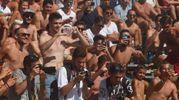 Tante persone hanno affollato le tribune attorno ai campi del bagno Fantini di Cervia (foto Corelli)