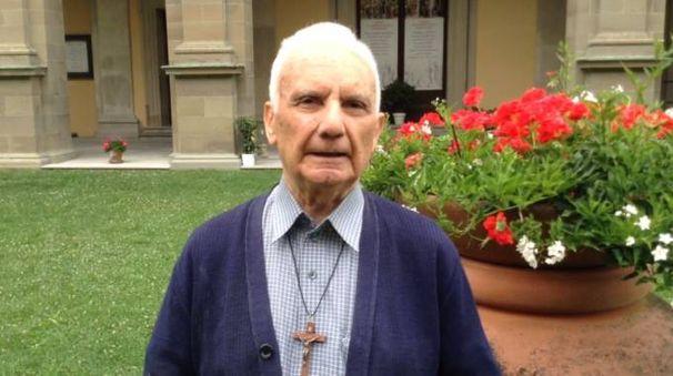 Padre Ferruccio Lenzi, il sacerdote più anziano del santuario di Bocca di Rio