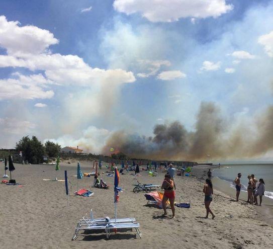 Incendio a Capalbio (Ansa)