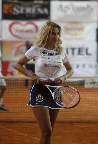 Valeria Marini in campo (foto Corelli)