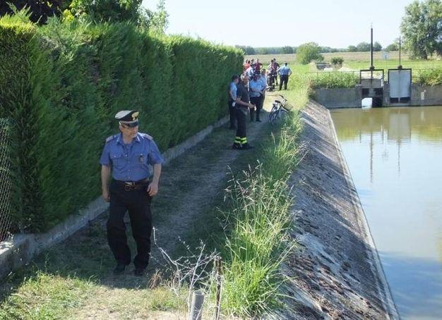 I carabinieri sul posto (foto Lecci)