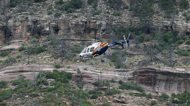 Elicottero di soccorso al Tonto National Forest (Ansa)