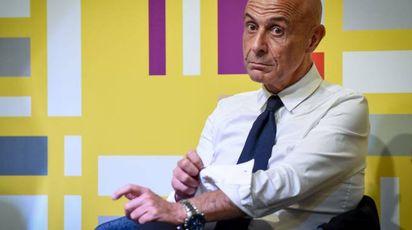 Il ministro dell'Interno Marco Minniti, 61 anni, alla Festa dell'Unità