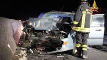 Una delle due auto distrutte