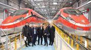 L'interno dell'Hitachi Rail con la preparazione degli ultimi esemplari dei Frecciarossa