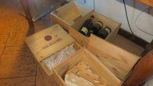 Faenza, scatole svuotate delle bottiglie al Ristorante Silverio (foto Veca)