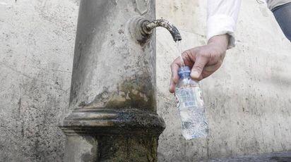 Guerra dell'acqua a Roma: sarà razionata (Ansa)