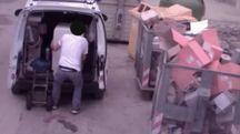 Uno dei furbetti ripresi dalle telecamere e multati