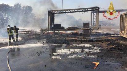 Incendio Termoli, una foto dei Vigili del Fuoco (twitter)