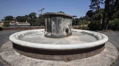 Siccità, fontane chiuse a Roma (LaPresse)