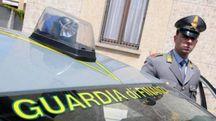 Gli agenti della Guardia di Finanza hanno intercettato il pacco contenente sei chili di marijuana