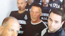 na fase dell'arresto di Johnny lo Zingaro, avvenuto a Taverne d'Arbia in un'abitazione popolare del Comune di Siena