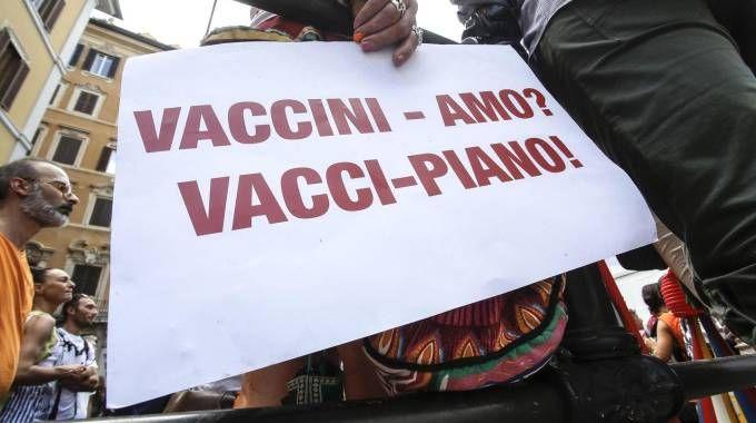 NO VAX VACCINI_24366047_143510