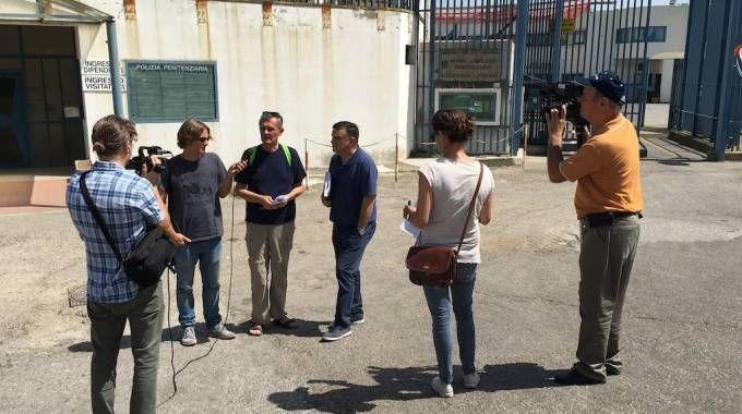 La conferenza stampa sull'emergenza caldo a Sollicciano