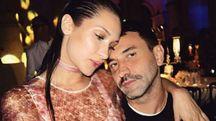 Bella Hadid con Riccardo Tisci (Foto Instagram)