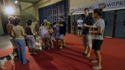 Gli evacuati si organizzano per la notte  (Fotoprint)