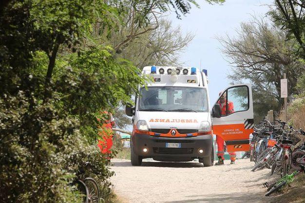 L'ambulanza (foto Zani)